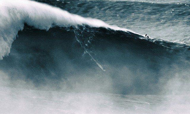 Kaj se zgodi pozimi? Veliki valovi!