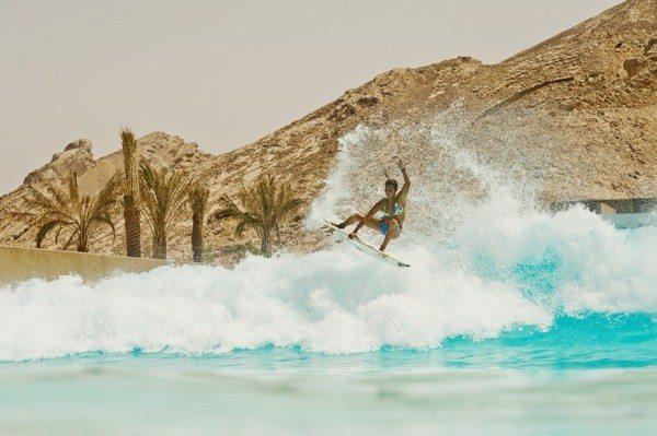 Sally Stories – naj valovi na svetu v Dubaju?